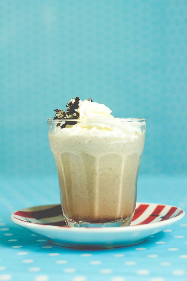 receitas-de-drinks-milkshake-de-oreo-com-vodka-12