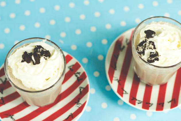 receitas-de-drinks-milkshake-de-oreo-com-vodka-14