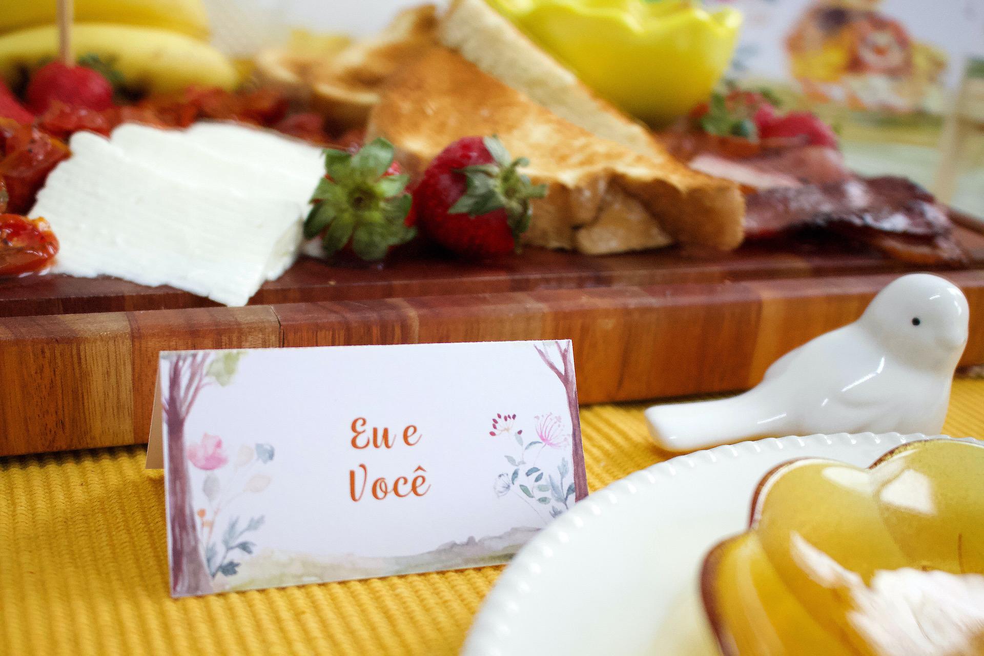 bodas de pintinho mesa posta comemoração